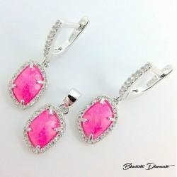 Śliczny komplet biżuterii z różowymi cyrkoniami