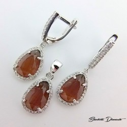 Komplet biżuterii srebrnej z pięknym kamieniem
