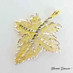 Srebrny wisiorek pozłacany liść