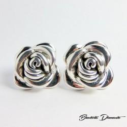 Srebrne kolczyki róże na sztyft