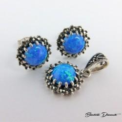 Komplecik biżuterii z opalami i markazytami