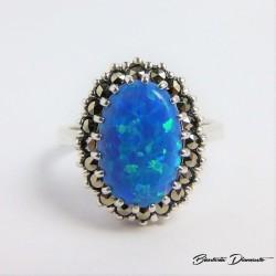 Piękny pierścionek srebrny
