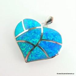 Wisiorek w kształcie serca z opalem