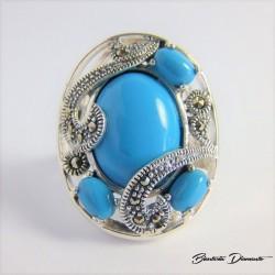 Srebrbny pierścionek z turkusem i markazytami