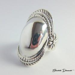 Duży pierścionek srebrny pr. 925