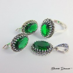Elegancki komplecik biżuterii z markazytami