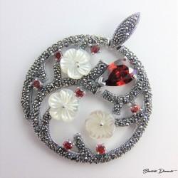 Srebrny wisior z kwiatkami Z113