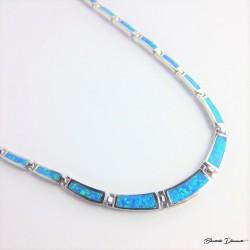 Naszyjnik srebrny z niebieskimi opalami